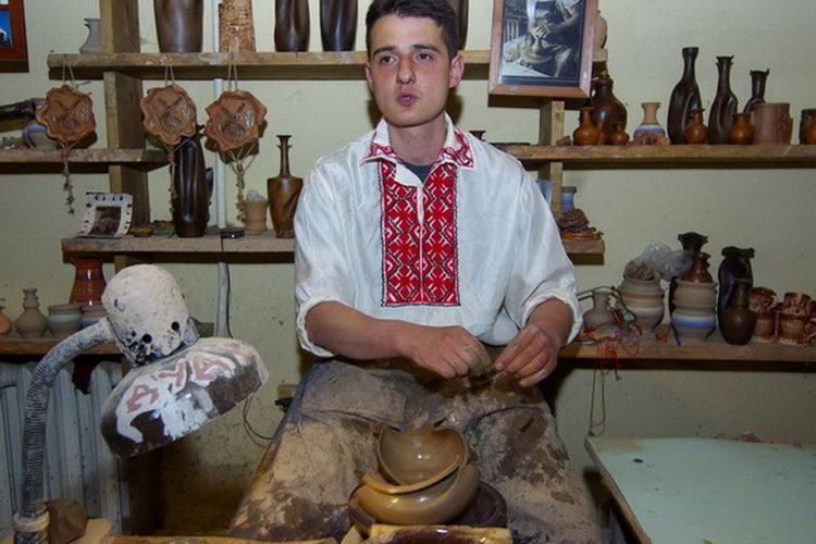 Гончарная мастерская в Дудутках