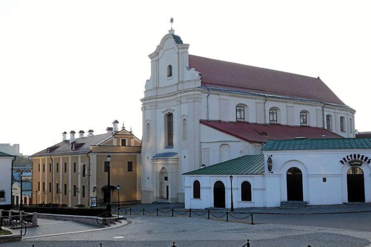 На пл. Свободы в Минске