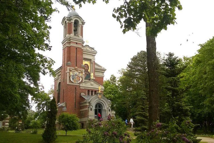 Церковь-усыпальница Святополк-Мирских,