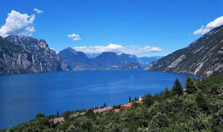 Италия . Озеро Гарда